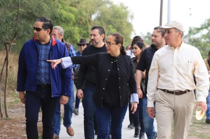 """Gestiona Cristina Díaz rescate de parques públicos del """"Río La Silla"""""""
