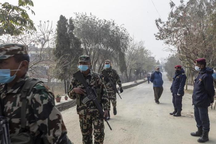 Prohíbe Xiaogan a sus habitantes salir de viviendas por el coronavirus