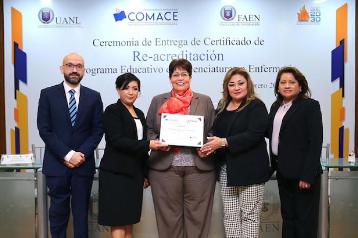 Otorgan reconocimiento nacional a Licenciatura en Enfermería