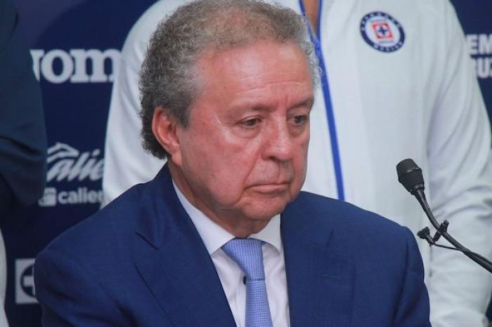 Víctor Garcés queda fuera de Cruz Azul