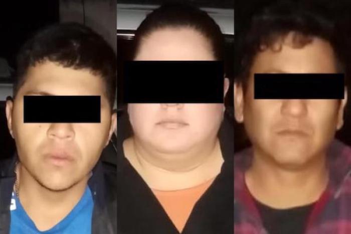 Los detenienen tras, presuntamente, realizar un robo en una tienda de conveniencia