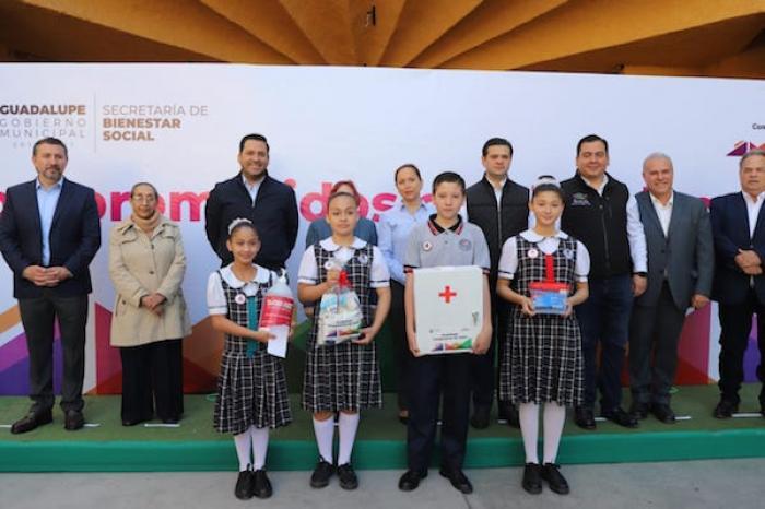 Entregan 20 Ton. De Gel Antibacterial Para Escuelas De Guadalupe