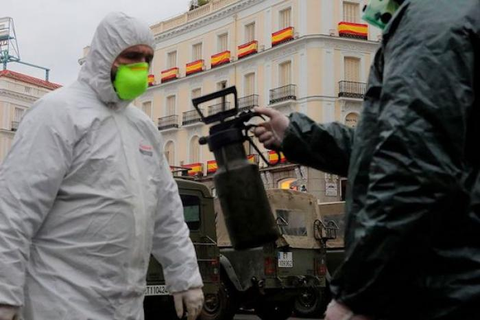 """España, contrarreloj frente a los """"peores"""" días de la pandemia"""