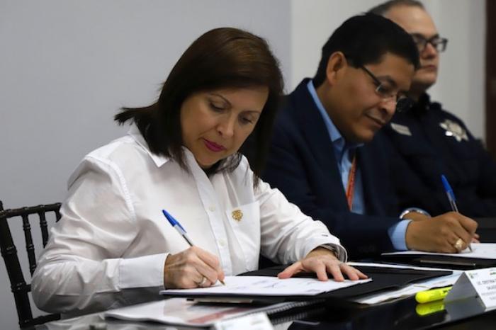 Acuerdan Cristina Díaz Y Tiendas De Conveniencia Trabajar Para Reducir Delitos