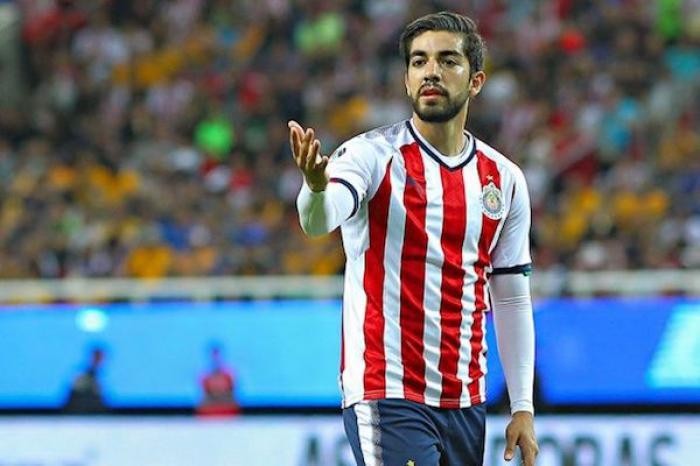 Jugar en Chivas puede hundir tu carrera: Rodolfo Pizarro