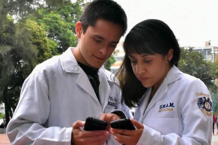 Con aplicaciones, facultades de la UNAM atienden necesidades de sus alumnos
