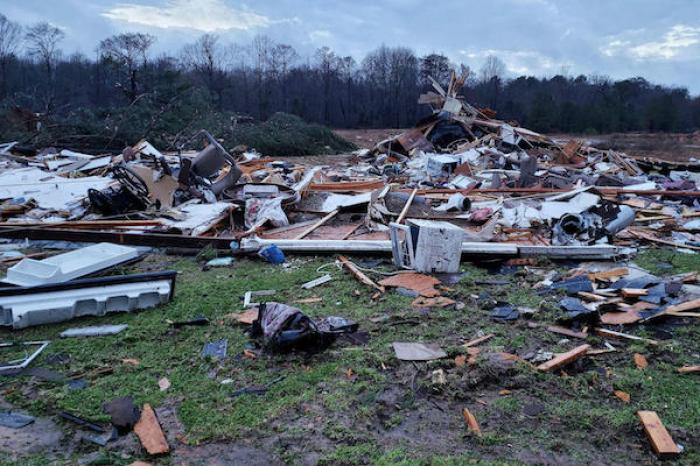Tornados en el sur de Estados Unidos cobran 17 vidas