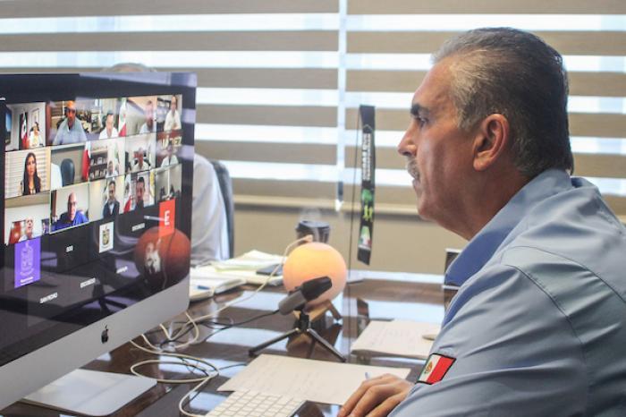 César Garza plantea acelerar reapertura de 3 industrias: construcción, automotriz y electrónica