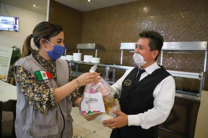 Brinda Cristina Díaz Apoyos Alimentarios A Meseros En Guadalupe