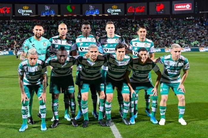 Ocho jugadores de Santos dieron positivo a COVID-19