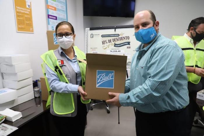 Empresas se solidarizan en Guadalupe; donan 8 mil apoyos alimentarios