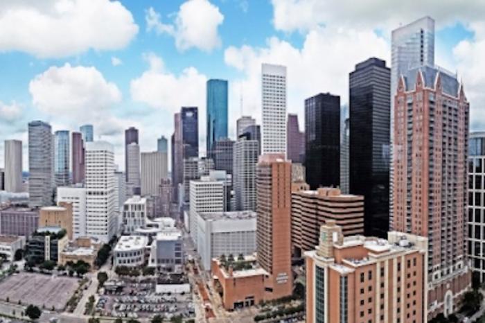 Reabren atracciones en Houston al flexibilizar medidas por COVID-19