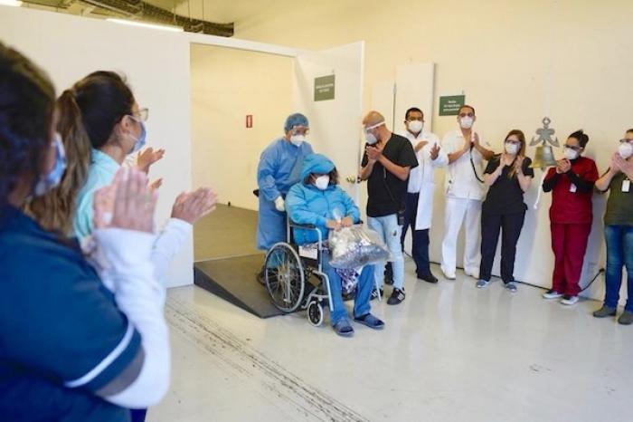 Reciben alta cinco pacientes en autódromo capitalino