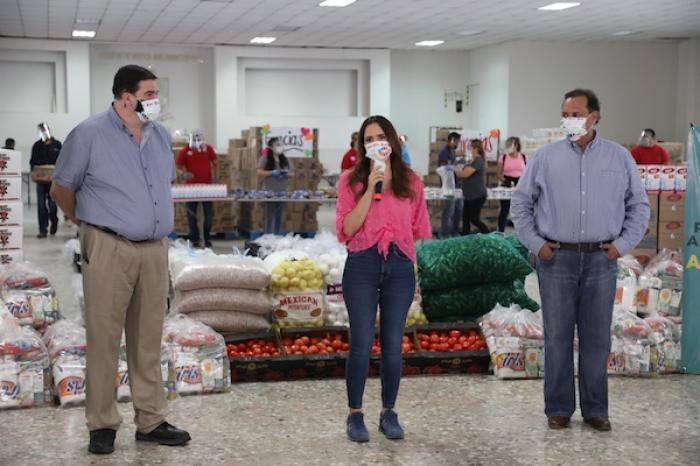 "Beneficia Escobedo a 18 mil familias con programa alimenticio ""AyuDAR"""
