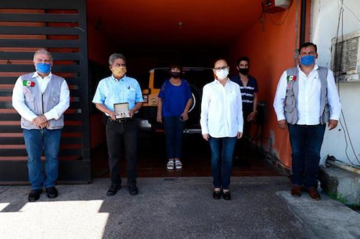 Reconoce Cristina Díaz Trayectoria De Maestros En Guadalupe