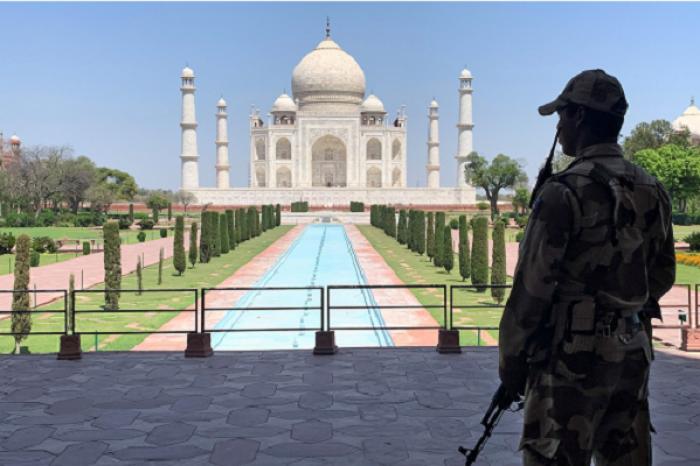 Evacuan Taj Mahal tras falsa amenaza de bomba