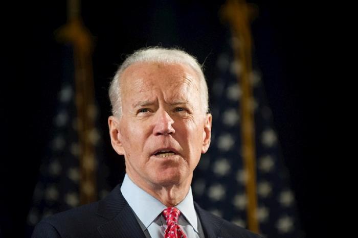 Joe Biden expulsa por