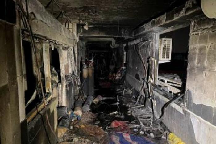 Renuncia ministro iraquí de Salud luego de incendio que dejó 82 muertos