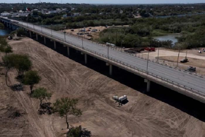 Estados Unidos reabrirá paso fronterizo en Texas tras desalojo de migrantes haitianos