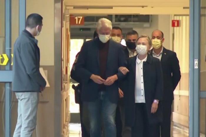 El expresidente Clinton sale del hospital tras cinco días de internamiento